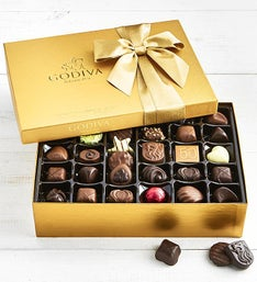 Godiva Gold Ballotin Chocolates Box   piece
