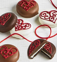 The Sweet Shop pc Love Hearts OREO cookies