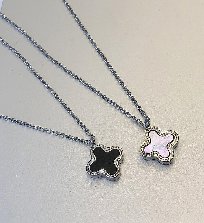 Silver Doublesided Clover Necklace